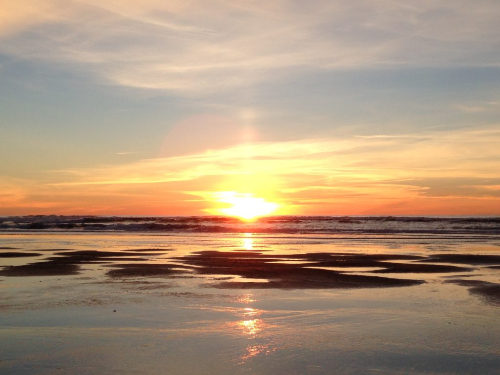 photograph of a sunset on the Pacific Ocean in Oregon.